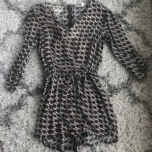Nordstrom pattern romper with tie size XS